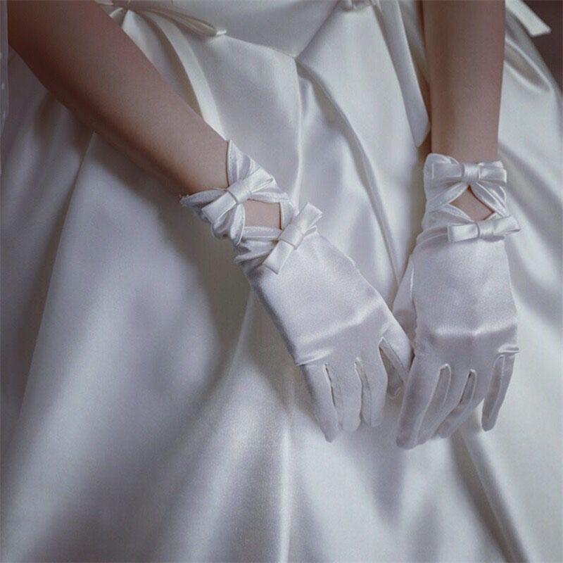 ウエディング グローブ 花嫁 小物 結婚式 ブライダル glove 花嫁手袋 期間限定特別価格 二次会 レディース 撮影道具 手袋 ショート 披露宴 可愛い グローブパーティー手袋 ウェディング wedding 舗 高級 サテングローブ