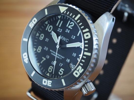 MWC時計/1000mディープダイバー自動巻/米軍仕様24時間表記/ヘリウムバルブ/セイコーNH35A/2xストラップ/スペシャルボックス