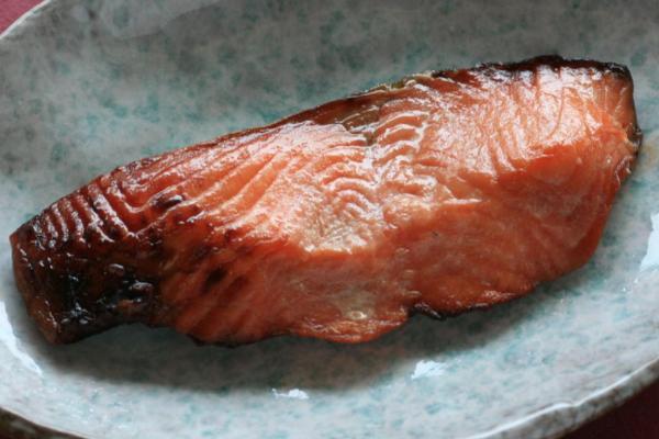 高級品 幻の高級魚 18%OFF 旬の本鱒をうおや特製味噌に漬け込みました 日本海産 1切 サクラマスの味噌漬