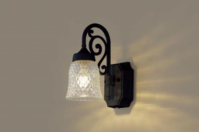 パナソニック 照明 壁直付型 LED(電球色) ポーチライト 40形電球1灯相当・密閉型 防雨型・FreePaお出迎え・明るさセンサ付・点灯省エネ型 【LGWC85203B】[新品]