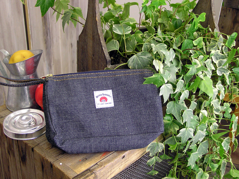 BETTY SMITH Betty ( Smith ) / brush case, putting エコベティージップ pouches ( KOMO-2 ) ECO BETTY / ecology/ヴァリアスクロス/one wash/denim / cosmetic / pencil case / men's / women's / male / female / Rakuten /BETTYSMITH