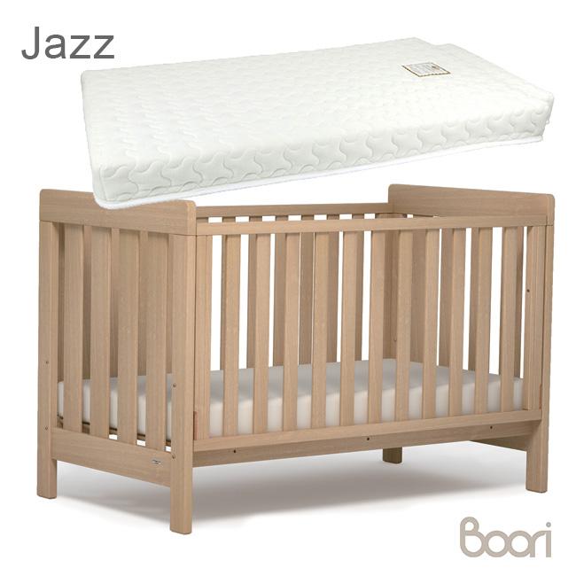 ◎Boori ブーリ ジャズ ベビー&キッズベッド+スプリングマットレス[0歳から2歳まで使える木製のベビーベッド 2歳から6歳までの子ども用のベッド 子供が使い終わってからは大人がソファとして使える ベビー寝具] メーカー直送
