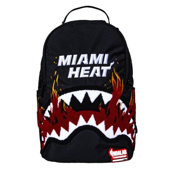 Sprayground スプレーグラウンド NBA Miami Heat Fire Sharkバックパック(約20L) マイアミ・ヒート リュック 【ラ・クーポンで送料無料】【楽ギフ_包装選択】