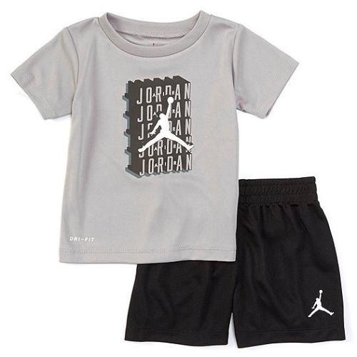 【送料無料+P3倍+クーポン】 nike ナイキ ジョーダン 男の子用Dri-Fit Jordan Crosswords半袖Tシャツ上下2点セット(Black) セットアップ ジョガーパンツ