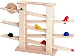 Nic ニック社 ニックスロープ 木製おもちゃ ※実際の人形とボールの色が写真とは違います