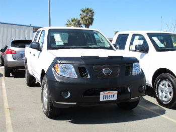 日産 FRONTIER フルブラ Colgan Front End Mask Bra 2pc. Fits Nissan Frontier ALL 2009-2015 W/Licen. Plate コルガンフロントエンドは、バスト2PCをマスクします。日産フロンティアALL 2009-2015 W / Licenがフィットします。プレート