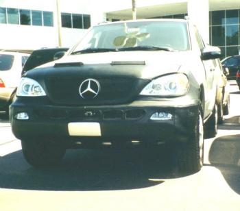 ベンツ フルブラ Colgan Front End Mask Bra 2 Piece Fits 2002-03 Mercedes-Benz ML320 W/ Lic.Plate コルガンフロントエンドマスクブラは2ピースは2002-03メルセデスベンツML320 W / Lic.Plateに適合します
