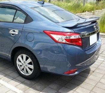 TOYOTA Yaris スポイラー Rear Spoiler ABS With Lamp For Toyota YARIS 4D Sedan VIOS '14-on トヨタYARIS 4DセダンVIOS '14 -on用のランプとリアスポイラーのABS