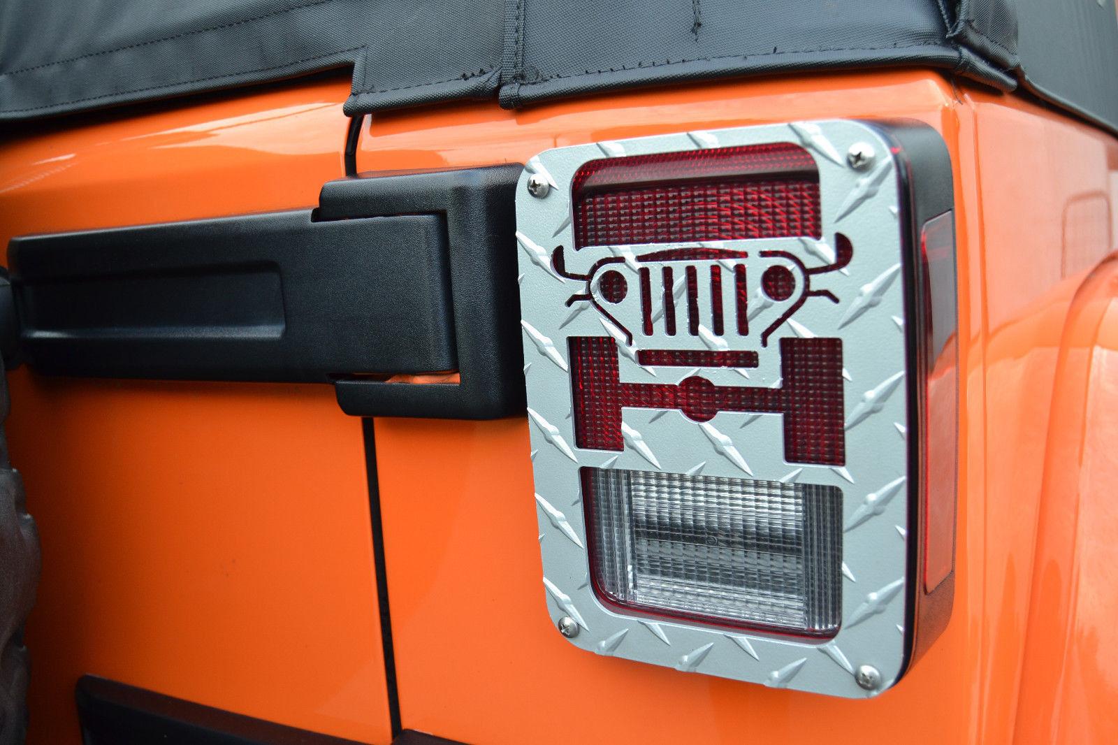 US ライトガード プロテクター ジープツイークシルバーテールライトガードジープラングラーJK 2007-2015- JT01S Jeep Tweaks Silver Tail Light Guards Jeep Wrangler JK 2007-2015- JT01S