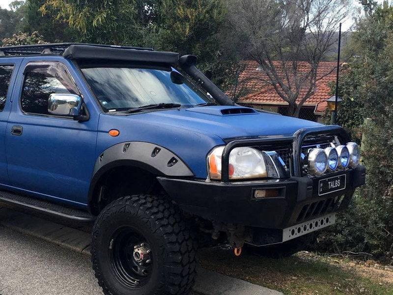 USワイドフェンダー 日産ナバラD22 1997-2015のためのクートスネークABSフレアフロントホイールのみ Kut Snake ABS Flares for Nissan Navara D22 1997-2015 Front Wheels Only