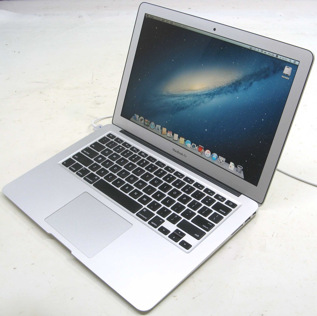 Apple MacBook Air MD760J/A