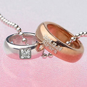 【送料無料】ベビーリング2連 KW6914月【刻印あり】 ダイヤモンド 刻印できるシルバーとピンクシルバーのコンビベビーリングペンダントネックレス