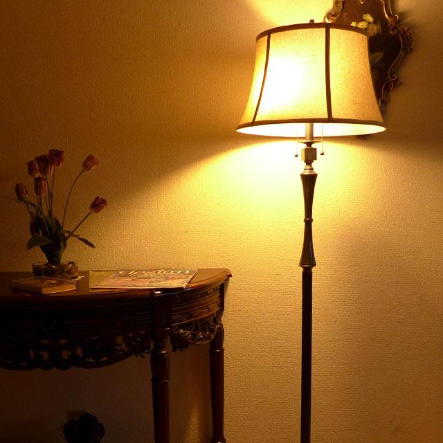 輸入家具 アウトレット アメリカ アンティーク風 ブランド 家具 スタンドライト フロアライト スタンドランプ アンティーク ランプ ライト フロアランプ 最安値挑戦 フロアスタンドライト アンティーク調 シェード テイスト おしゃれ CALlighting クラシック LED シェードランプ ショッピング アメリカン ベッドサイド BO2443FL 寝室 ベッド 高級 照明 ベッドランプ