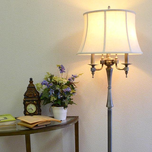 スタンドライト フロアライト スタンドランプ 4灯 シルバー アンティーク ランプ ライト フロアランプ フロアスタンドライト アンティーク調 おしゃれ ベッドランプ ベッドサイド 高級 ベッド 寝室 クラシック テイスト LED シェードランプ アメリカン 照明 BO-2443-6WY-AS