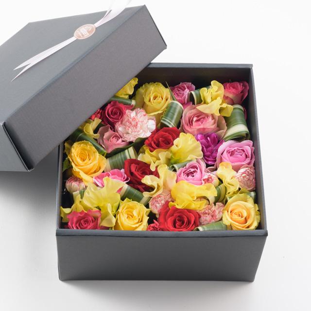 今人気のボックスタイプの生花アレンジです 感謝価格 ご予約品 送料込 バックドローズ