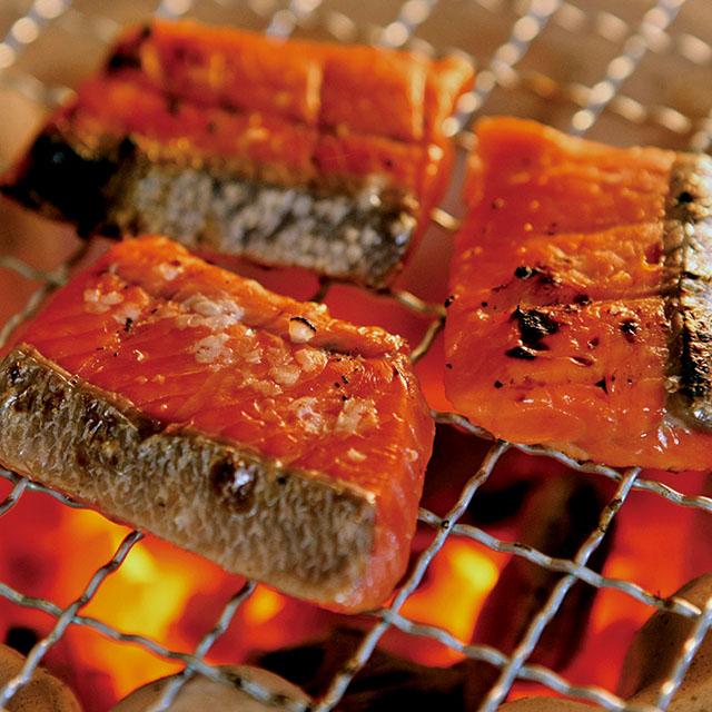 こうじの芳ばしい鮭の味をご堪能ください 送料込 正規認証品 新規格 プレミアム銀鮭民謡漬 公式ショップ