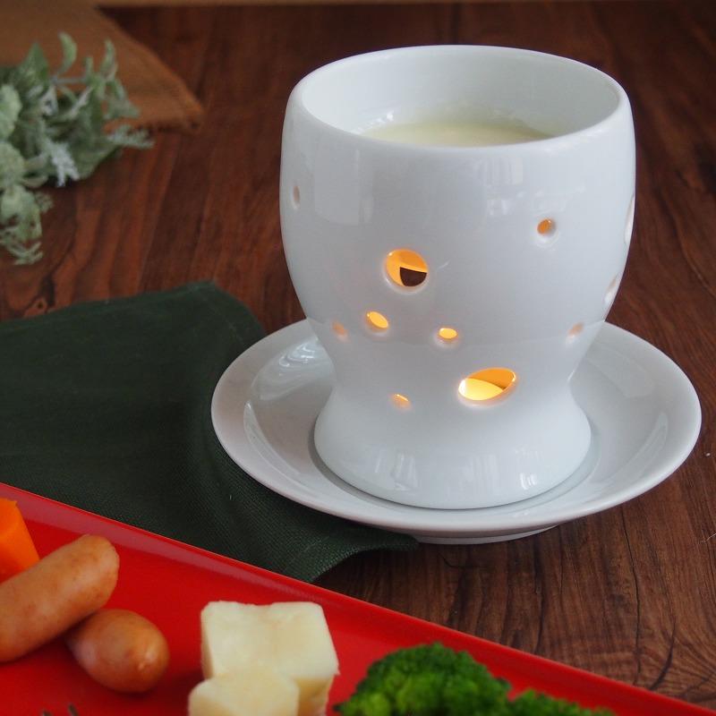 穴から漏れるろうそくの灯りがいい感じ 信用 チーズフォンデュ バーニャカウダ ポット 受皿付 ローソク 送料無料 保温 ろうそく バーニャカウダー 2人用 フォンデュ チョコフォンデュ 1人用 3人用 三人用 一人用 二人用