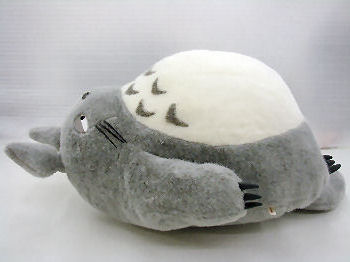 utu-wa  Next to my Neighbor Totoro NAP cushion (big Totoro ... 73eb0259ae53