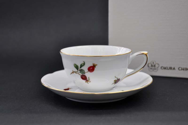 大倉陶園 バラの実(3031)ティー・コーヒー碗皿