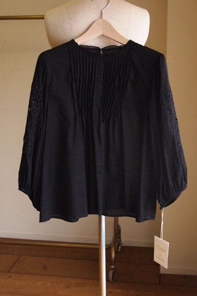 ネセセア【nesessaire】カットワークエンブロイダリーブラウス ブラック nesessaire blouse