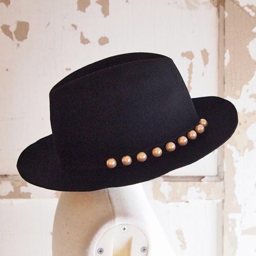 ネセセア【nesessaire】コットンパール付きドレスハット レディース 帽子ぼうし ウールハット HAT ワイドブリム 中折れハット 中折れ帽 つば広 リボン フェルトハット★送料無料[折り畳んで収納・持ち運びできます]