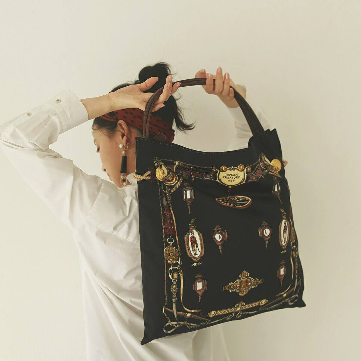 【公式】[トプカピ トレジャー] TOPKAPI TREASURE マイルド サテン スカーフ パネル柄 トート バッグ