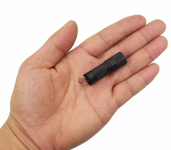 超小型 USB充電式 ミニ 店舗 LEDライト 《ブラック》 100ルーメン 懐中電灯 代引不可 CREE 新品■送料無料■ smtb-KD サムライト 定形外郵便 送料無料