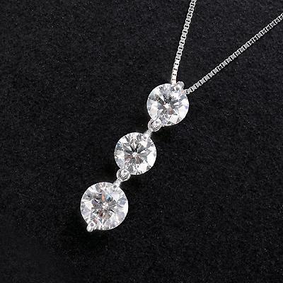 プラチナ 計1.5ctダイヤ 3ストーンペンダント KG0266 (ダイヤモンド/スリーストーン/プラチナ/1.5ct/鑑別書付き)