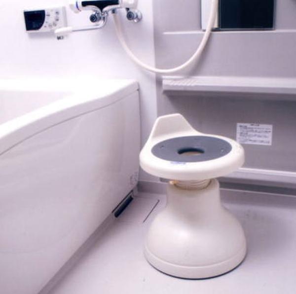 【送料無料】ロック機能付き 浴室用回転便利椅子 K7094