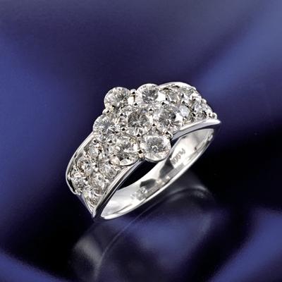プラチナ900 ダイヤフラワーリング (計2.0ct) KG0502 ( ダイヤモンド / フラワー / リング / プラチナ / 2カラット / 鑑別書付き )