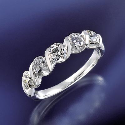 プラチナ900 5ストーン ダイヤリング 計1.0ct KG0470 ( ダイヤモンド / リング / プラチナ / 1カラット / 鑑別書付き )