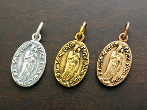 供え 送料無料 格安激安 INRI 幼子イエスを抱く聖母マリア Silver925 ペンダントトップ 古美仕上 メダイ