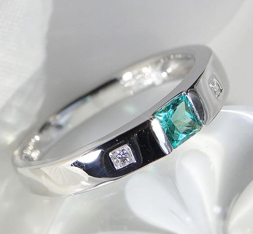 値頃 【SOLD OUT】Pt900 プリンセスカット エメラルド リング/ プラチナ タンクリング 天然石 指輪 誕生石 5月 レディース ジュエリー ファッション ギフト プレゼント 送料無料 品質保証書付 emerald platinum ring, 延寿庵 c93643ec