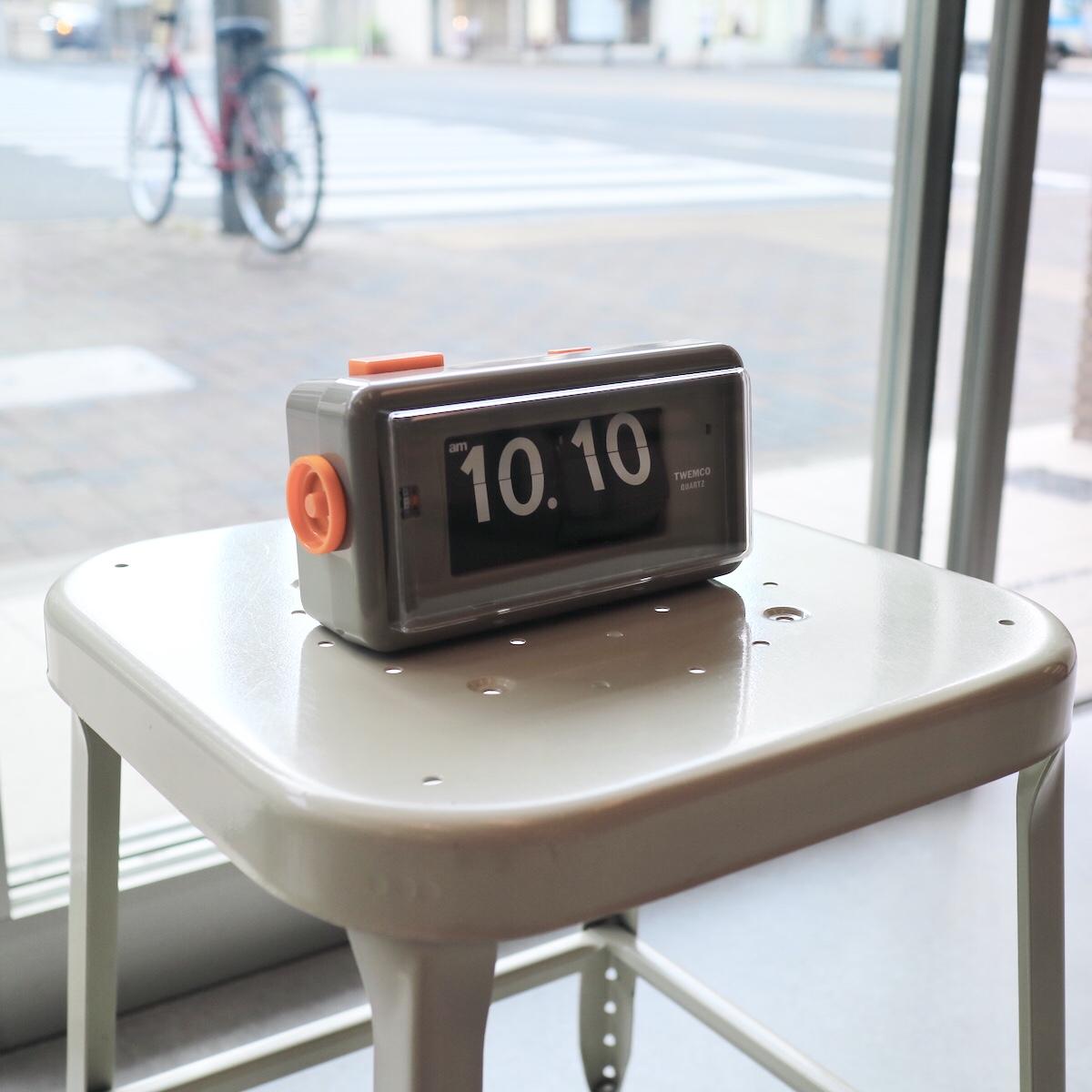 【TWEMCO】トゥウェンコ ALARM TABLE CLOCK | 置き型 静音 部屋 目覚まし 目覚まし時計 アラーム ライト フリップダウン パタパタ おしゃれ オシャレ