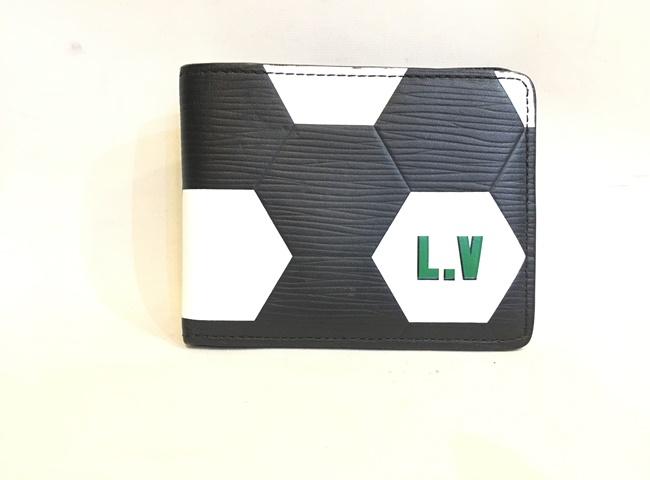 【中古】二子玉) ルイヴィトン LOUIS VUITTON FIFAワールドカップ限定 M63293 希少 エピ 2折財布 サッカーボール