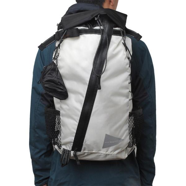【あす楽対応 平日14:00まで】 アンドワンダー and wander 30L backpack white [30L][バックパック][リュック][ザック][防水][雨蓋][ハイキング][30リッター][2018SS][10/26 9:59まで ポイント10倍]