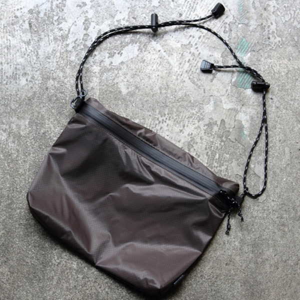 フェアウェザー FAIRWEATHER zip sacoche gray [ジップサコッシュ][グレー]