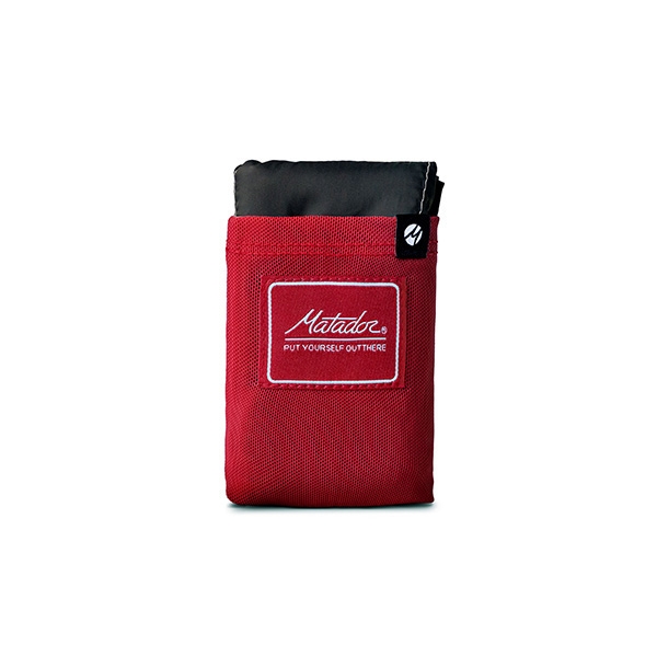 乾燥した場所に座れるナイロン製のパッカブルブランケット マタドール 購買 セール Matador ポケットブランケット レッド 20370032004000 3.0