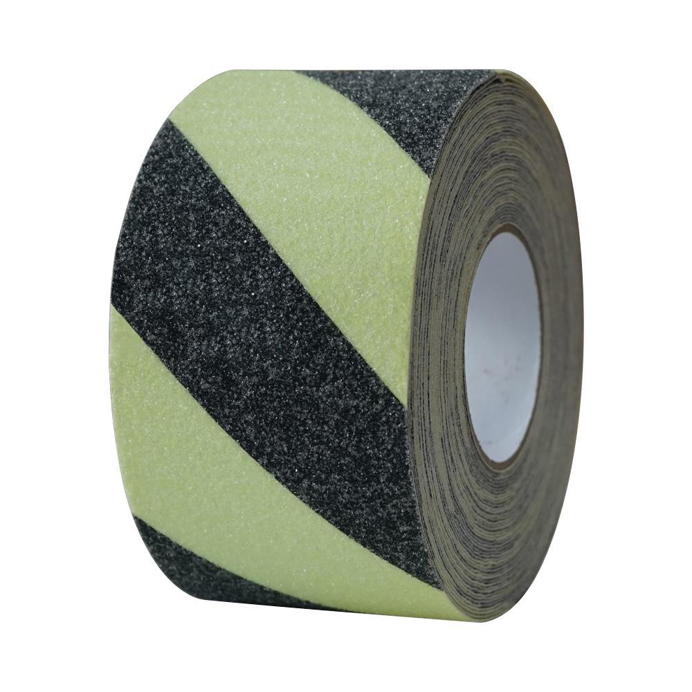 蓄光タイプの滑り止めテープです。 蓄光滑り止めテープ 蓄光トラ100mm x18m 11636