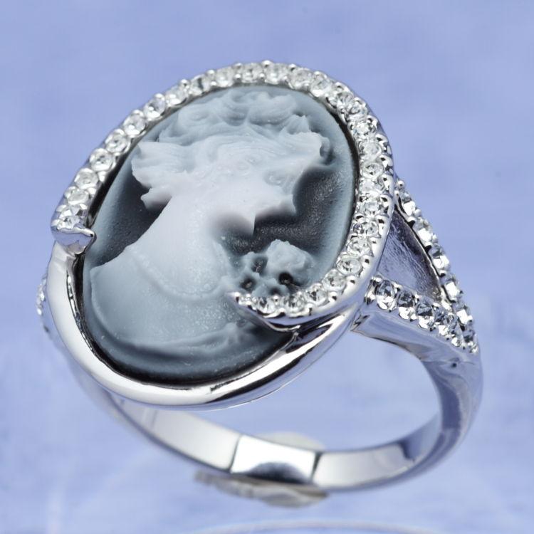 スワロフスキー リング カメオ クリスタル 指輪 オリバーウェバー(OLIVER WEBER) プレゼント メンズ レディース あなたのハートを鷲掴み 誕生日 おしゃれ ギフト