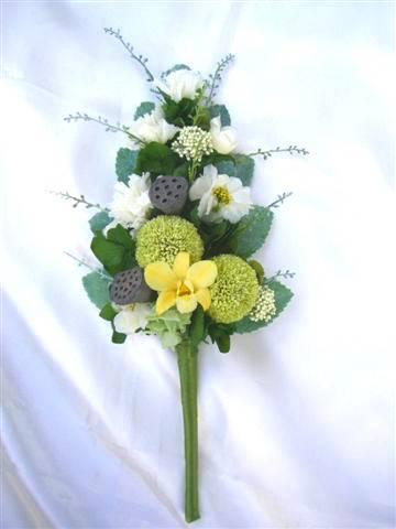お仏壇へのお供えに!バラを使わない【仏花】ピンポンマムとカーネーション プリザーブドフラワー [PW]