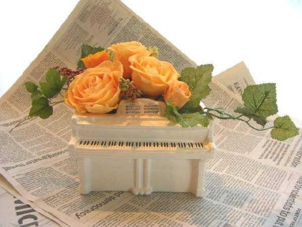 ピアノアレンジL オレンジのバラのアレンジ プリザーブドフラワー[PW]