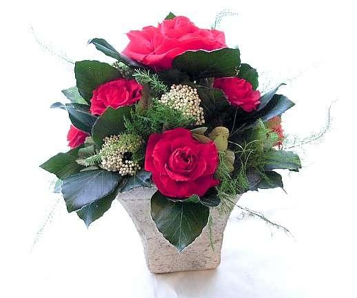 赤いバラとテラコッタの花器アレンジ プリザーブドフラワー[PW]