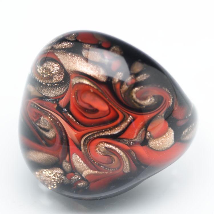ベネチアンガラスの指輪 スクードリング イタリアンレッドとゴールド 盾の意味を持つお守りリング ベネチアングラス