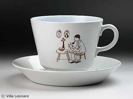 【アラビア】ライトブルー&ホワイト オーバーサイズカップ&ソーサー(切手コレクション)