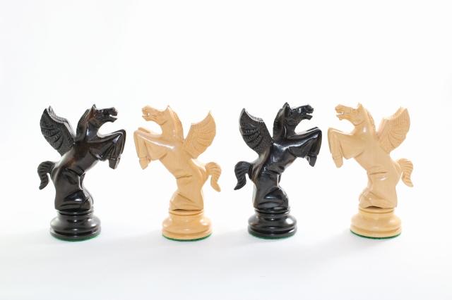 売り切れ必至! ハンドメイド高級 チェス駒セット ♪フライング・ナイト 柘植・黒檀♪  キング4.5インチ, sensoria美脚専門店:f8ffeb14 --- konecti.dominiotemporario.com