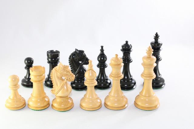 ハンドメイド高級 チェス駒セット ♪ブライドル・モデル 柘植・黒檀♪  キング4.5インチ