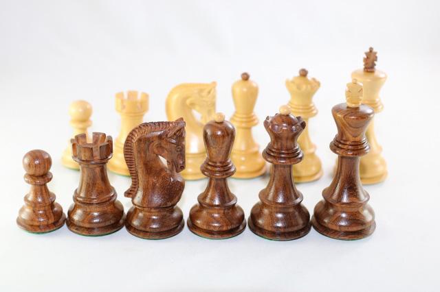 ハンドメイド高級 チェス駒セット ♪ロシアン・モデル 柘植・紫檀♪  キング3.75インチ