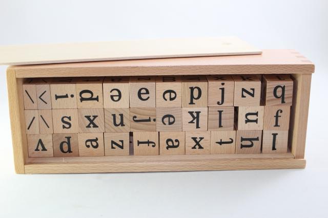 モンテッソーリ 木製アルファベット ブロック Montessori 最安値挑戦 上質 Wooden Blocks 知育玩具 Alphabet