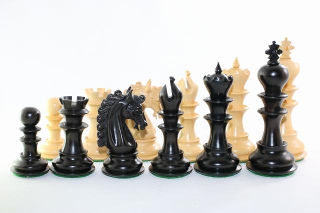 ハンドメイド高級 プレミアム・ラグジャリー・チェス駒セット ♪柘植・黒檀♪  キング4.5インチ